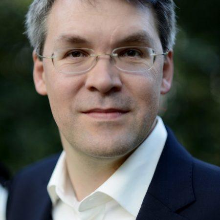 dr-Zárdai-Zoltán-systemmedia